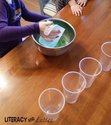 pour-liquid-into-cups